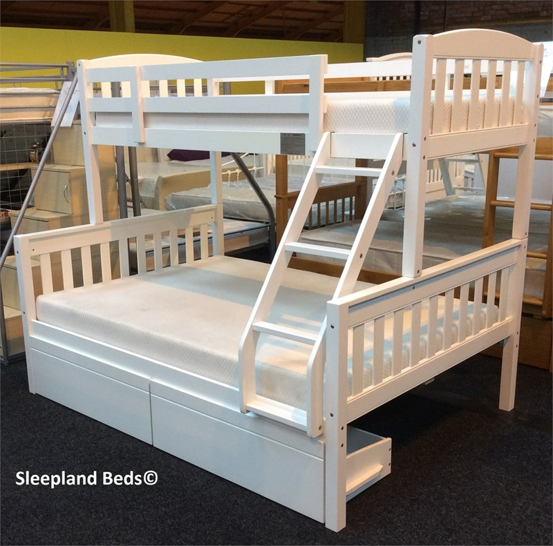 cola white wooden triple sleeper bunk bed with two storage drawers. Black Bedroom Furniture Sets. Home Design Ideas