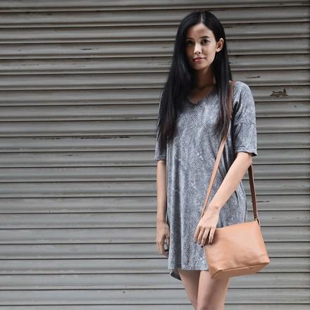 ATILO Leather Shoulder Bag in Tan