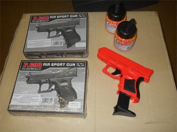 Airsoft BB Gun bundle - P698 pistol x2 +2000 BBs