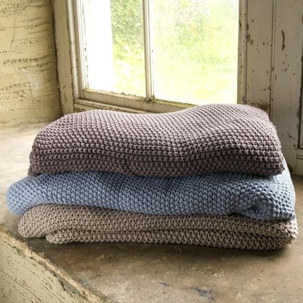 Moss Stich Cotton Throw